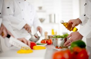art8-batch8301-kwd2-riesgos-laborales-restaurante